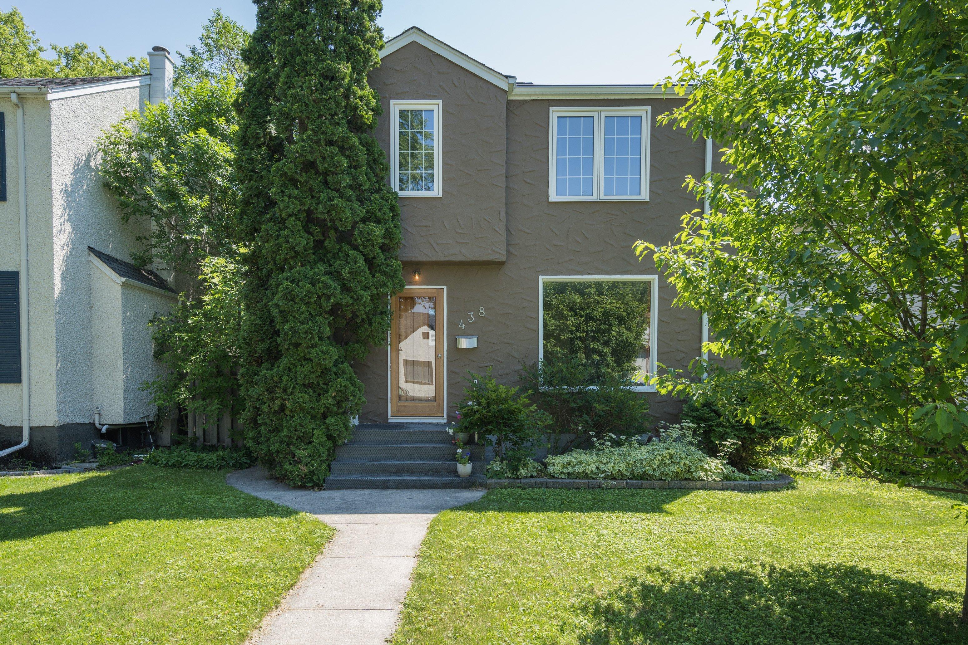 438 Queenston Street, River Heights, Winnipeg, MB