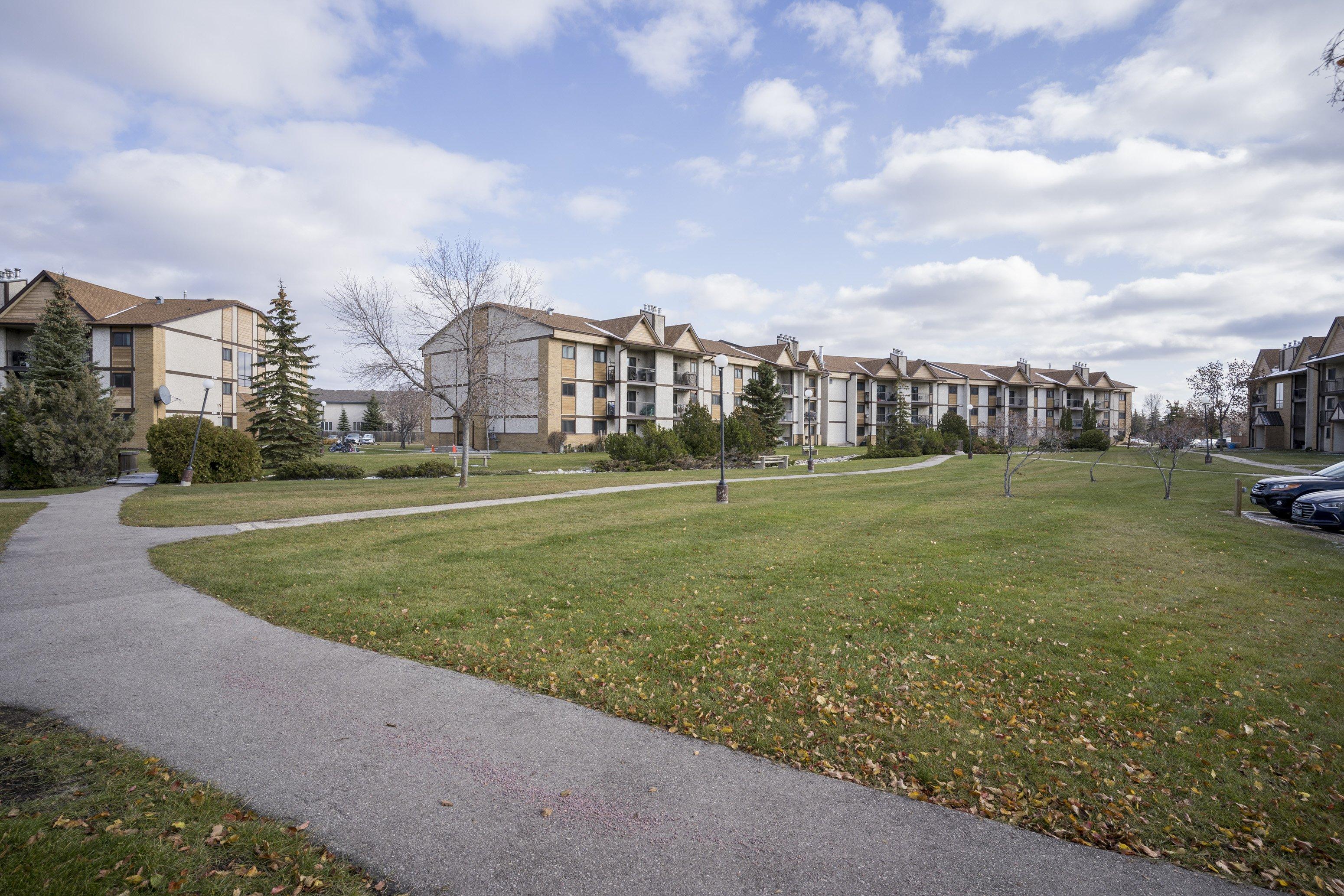 2206 – 201 Victor Lewis Drive, Linden Woods, Winnipeg, MB